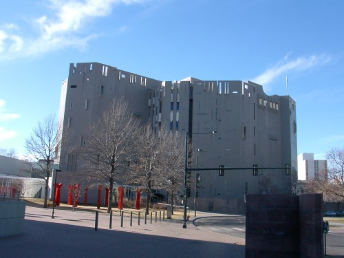 Denver_Art_Museum_Main_Building.jpg
