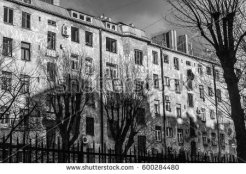 stock-photo-courtyard-of-vintage-apartment-house-in-saint-petersburg-600284480