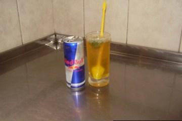 Reb Bull + menta + limon + azucar