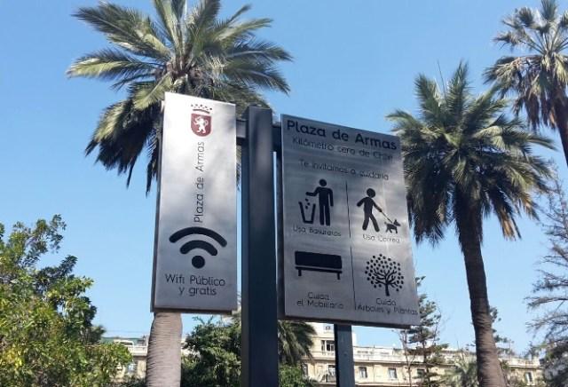 Barros Luco en la Plaza de armas de Santiago de Chile