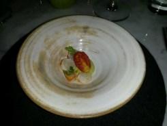 Snack: Langostino con palta, cherry y cilantro