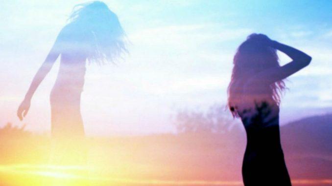 Jay Bird - Here With You (feat. Trïsch) [Deep House]