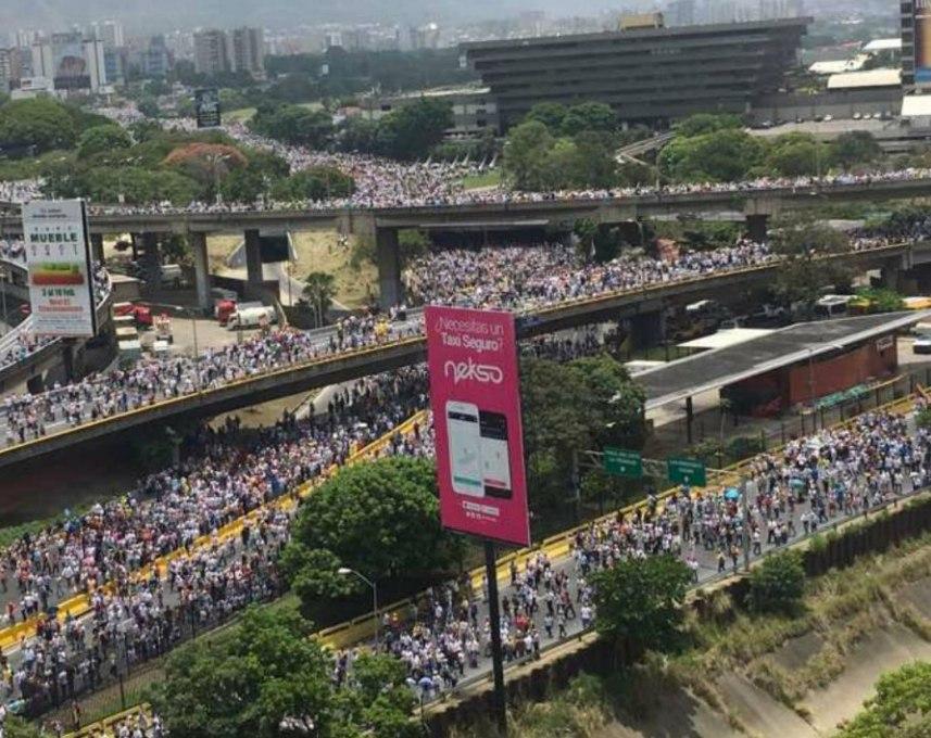 Protesta cívica en la Ciudad de Caracas Venezuela April 19