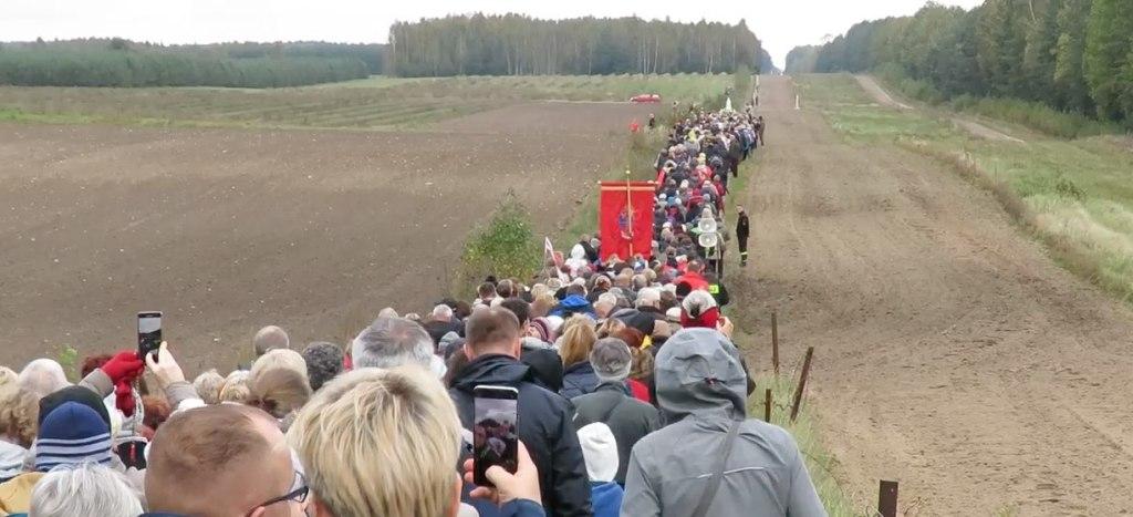 Rezo masivo del Rosario en Polonia