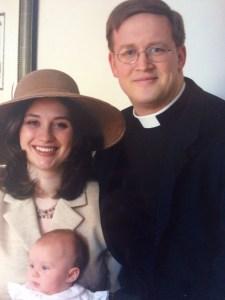 Andrea y Jonathan, de sacerdote episcopaliano