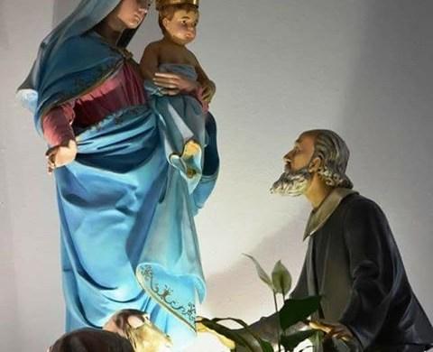 Y este es el altar mayor de nuestra parroquia en Bernal