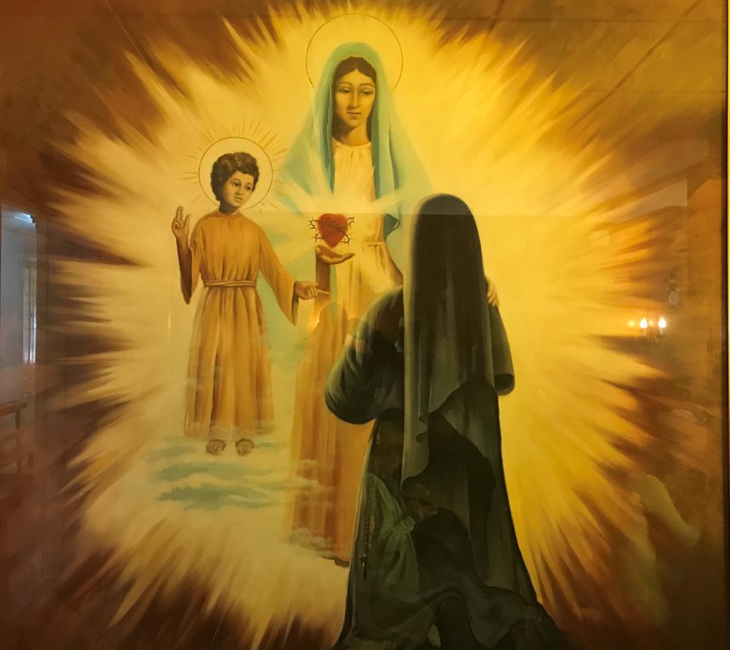 Cuadro que esta en la celda de Sor Lucia en Pontevedra, donde se representa el pedido del Nińo Jesus por el Corazon Inmaculado de Maria