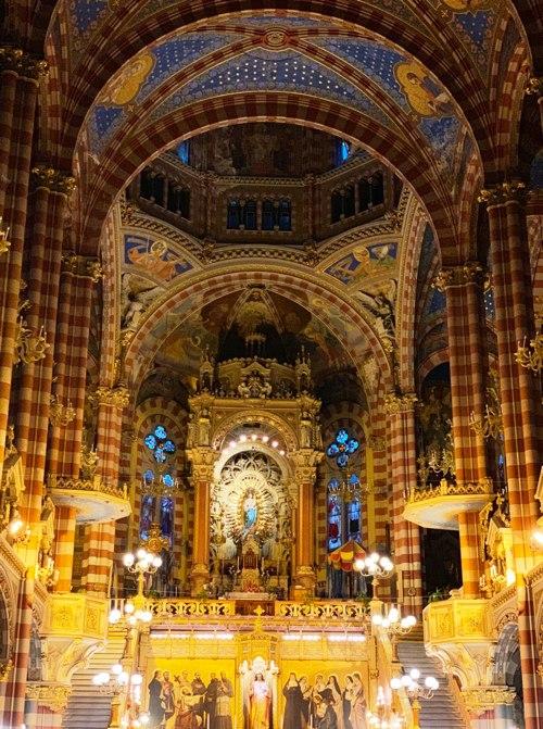 Altar Mayor y Camarin de la Virgen