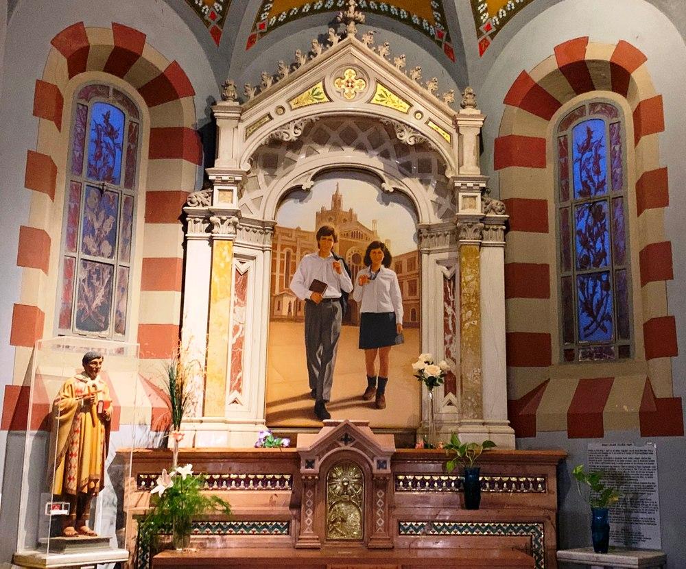 Altar lateral (Laura Vicuna - Santo D omingo Savio - Ceferino Namuncura)