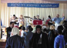 RUGACIUNE PENTRU BOLNAVI IN BISERICA