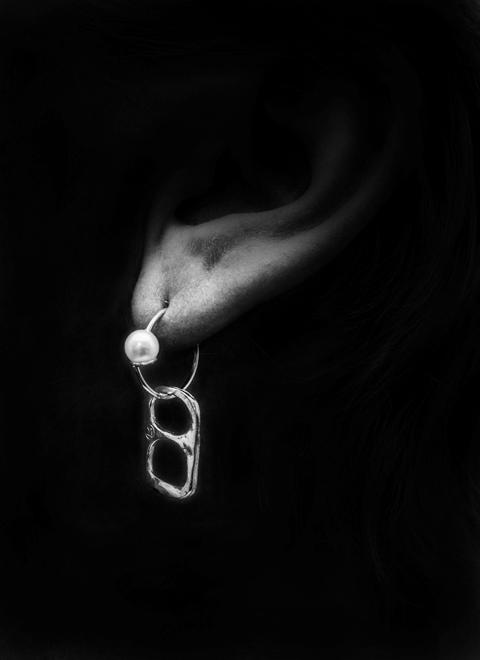 W_mania_tab_earring480x660px