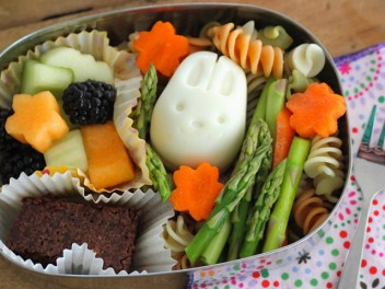Kosher-Pasta-Salad-Bento-Box