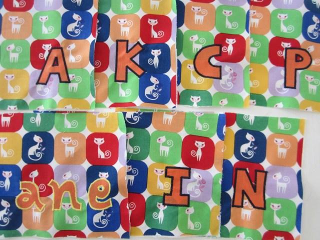 mis nancys, mis peques y yo, mochila pandilleando letras bordadas