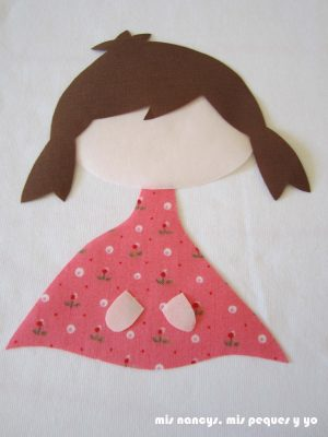 mis nancys, mis peques y yo, tutorial aplique en camiseta muñequita, colocamos el vestido