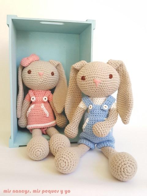 mis nancys, mis peques y yo, pareja de conejitos amigurumis, azul y rosa, con patron de creativa atelier