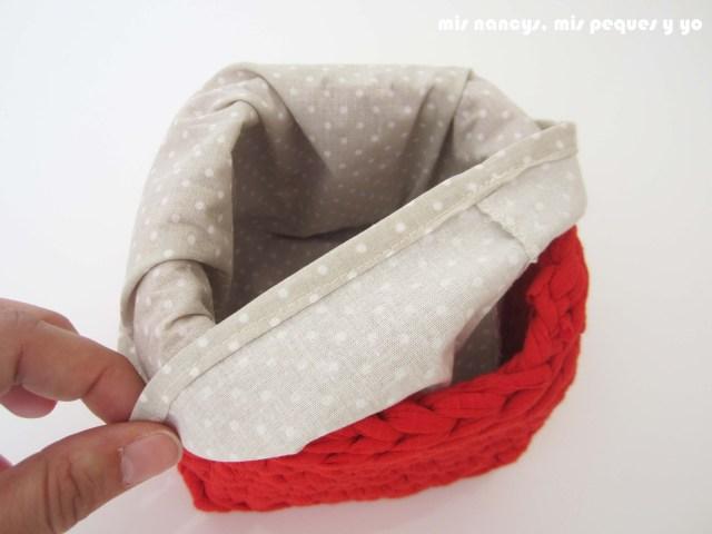 mis nancys, mis peques y yo, juego de dos cestas de trapillo cuadradas, detalle funda de tela intercambiable