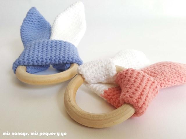 mis nancys, mis peques y yo, mordedores conejito de crochet, detalle parte delantera y trasera
