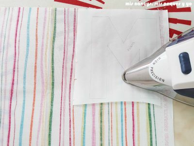 mis nancys, mis peques y yo, tutorial aplique en camiseta merci, planchar flixelina a la tela
