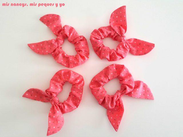mis nancys, mis peques y yo, coleteros de tela o scrunchies, coleteros con orejitas con tela de florecitas
