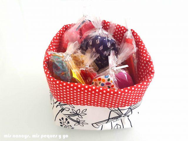 mis nancys, mis peques y yo, cestas de tela reversibles, cesta preparada para regalar