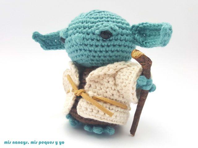 mis nancys, mis peques y yo, Yoda amigurumi Star Wars, detalle bastón