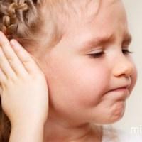 Запалення вуха у дитини