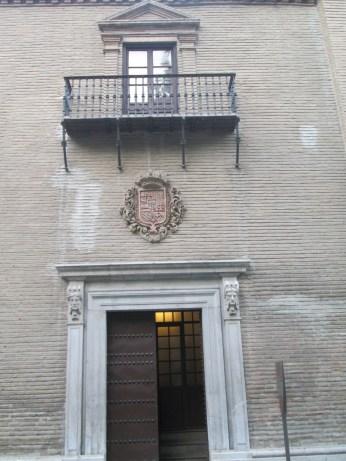 Portada del antiguo hospital. Virgen de las Angustias. Foto: Francisco López
