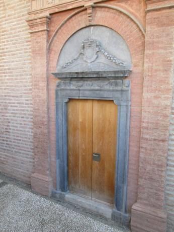 Escuela de Arquitectura. Puerta de la capilla. Realejo. Foto: Francisco López