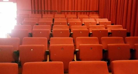 Traurig, aber auch gut für mich: den Kinosaal für mich allein