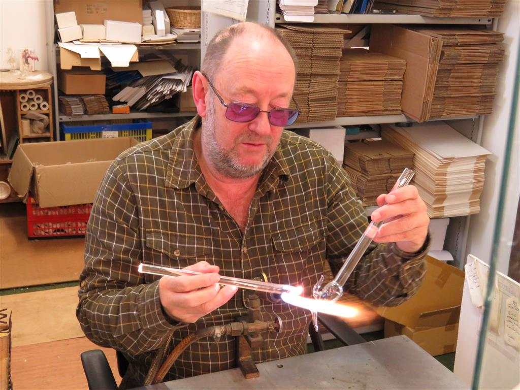 David Pryce-Jones, The Glassblobbery