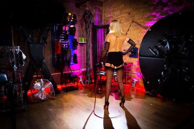 Pro domme dominatrix professional mistress Whittlebury Hall