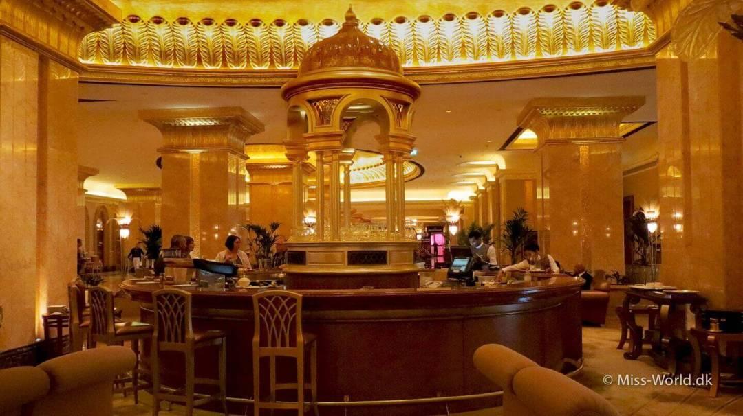 Emirates Palace Hotel Abu Dhabi - Hotel bar