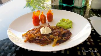 Hotel Swiss-Belresort Watu Jimbar Sanur Bali - Breakfast in the restaurant