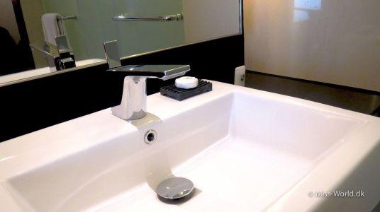 Hotel Swiss-Belresort Watu Jimbar Sanur Bali - Bathroom