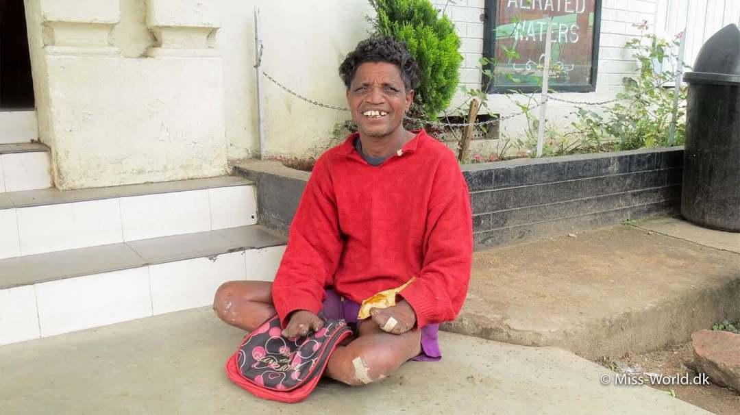 Han havde en skøn energi, så jeg gav ham lidt penge eller mad hver gang jeg kom forbi.