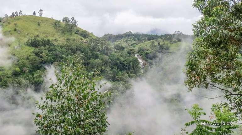 Kithal Ella Falls - Waterfall Ella Gap - Misty Mountains Sri Lanka