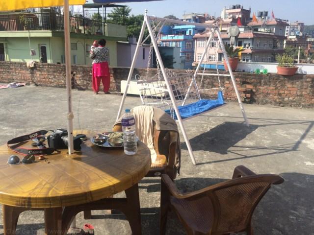 © Clara.GO-Altra cop a Kathmandu. Gyaneswor: Els transformadors en flames.