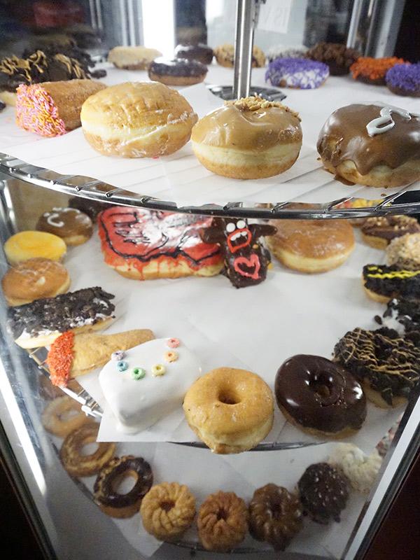 6th Street, Austin Texas, Voodoo Doughnuts