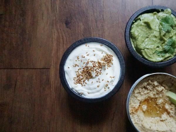 3-Easy-Healthy-Dips-Hummus