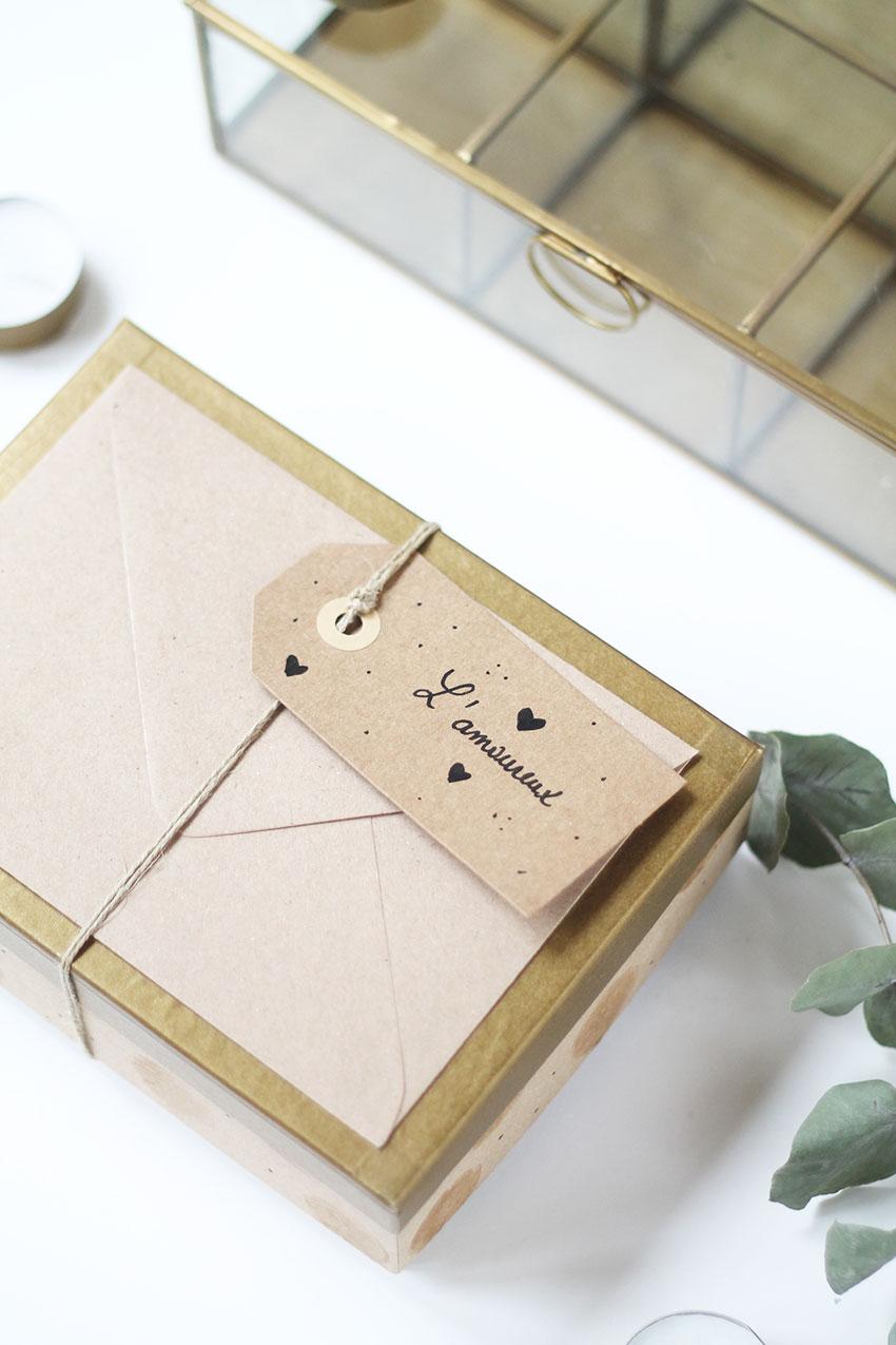 Boîte de noël spéciale bons cadeaux 3