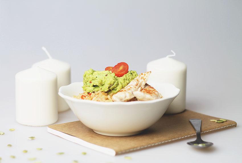 Bol complet poulet guacamole et riz provençal 1