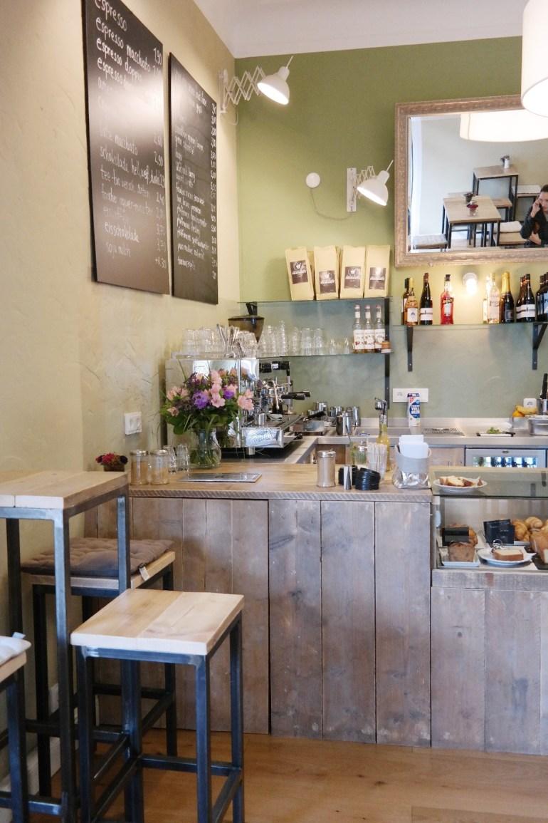 black-coffee-pharmacy-ruengsdorf-bonn-godesberg-fruehstueck-superfood-missbonnebonne-9