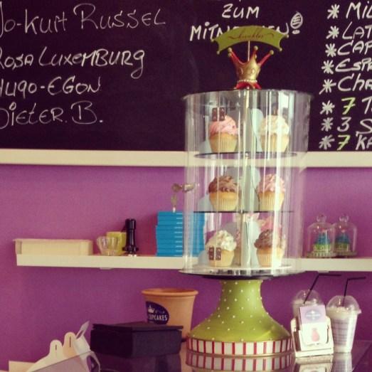 chroniken trauzeugin hochzeit standesamtlich braut ideen Royal Cupcakes Köln