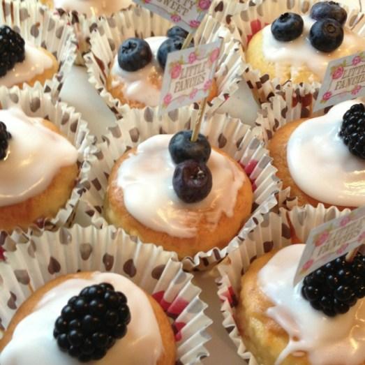Hochzeit Kuchen Törtchen Sektempfang Cupcakes  Trauzeugin