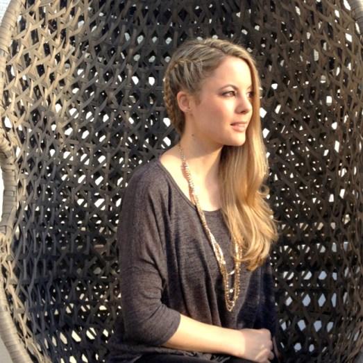 Foto 2Hagemann Hair & Beauty Haarmodel Azubine Erika Haare glatt  Azubimodel Strähnchen Friseur Bonn