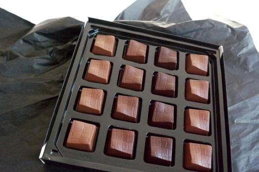 Lindt Schokolade Rock Chick Pralinen Pralines Kollektion Geschenk edles Überraschung Köstlichkeit Pralinen schöne Verpackung einzeln verpackt