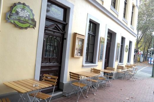 Gesindehaus Restaurant Bonn Poppelsdorf Clemens August Straße gutbürgerlich Mittagessen Abendessen deutsch Bitburger Fassbrause Waldmeister