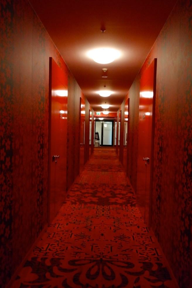 kameha grand hotel bonn rheinblick spa kosmetik wellness massagen erfahrung detoxkur ayurveda infinity pool
