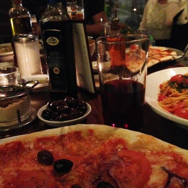 weihnachten mamablog missbonnebonne wie weihnachten feiern mit kindern abendessen pizza