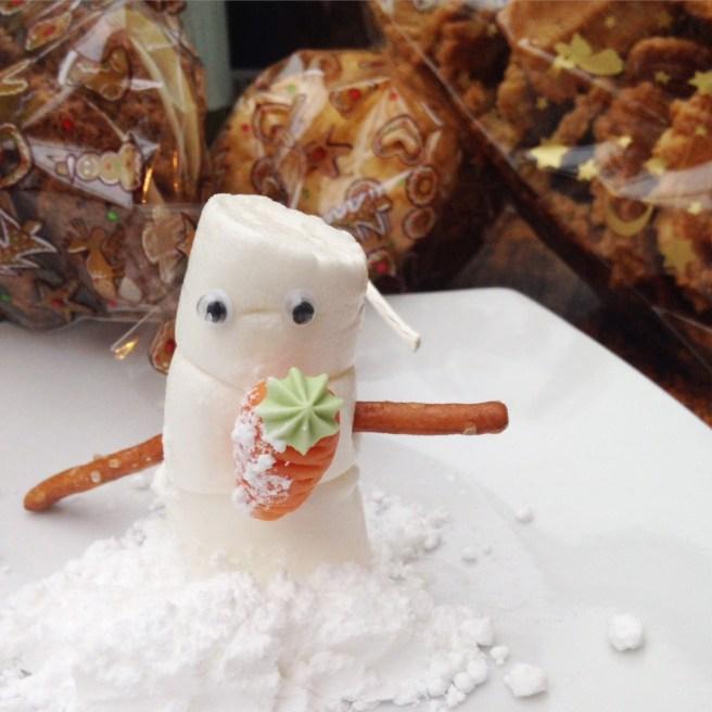 weihnachten mamablog missbonnebonne wie weihnachten feiern mit kindern spiel geschenke auspacken schneemann bauen marshmallows